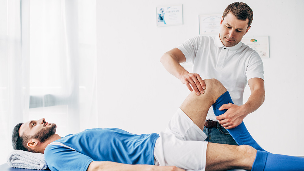 7 Types of Jobs in Sports Medicine You Can Pursue